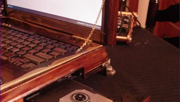 Ubuntu-Powered Steampunk Laptop Available to Order