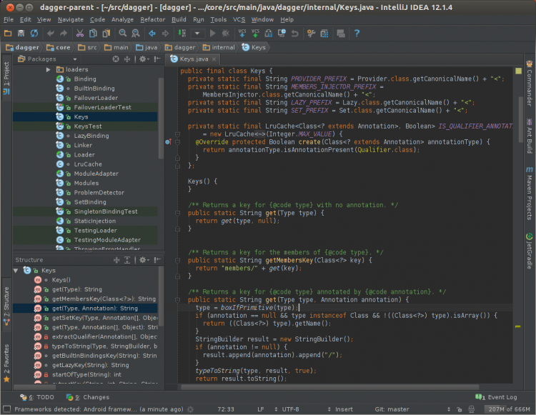 A Java project in IntelliJ IDEA Community Edition with the 'Darcula' theme