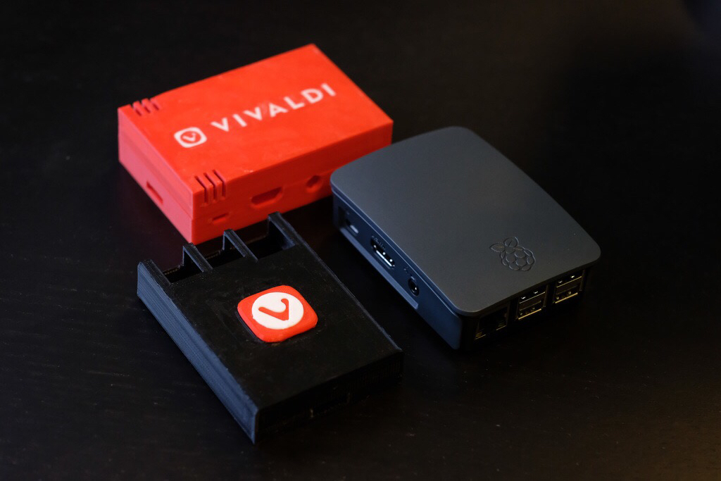 vivaldi branded raspberry pi case