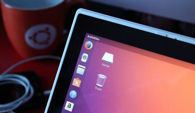Ubuntu 18.04 Bionic Beaver running on a laptop